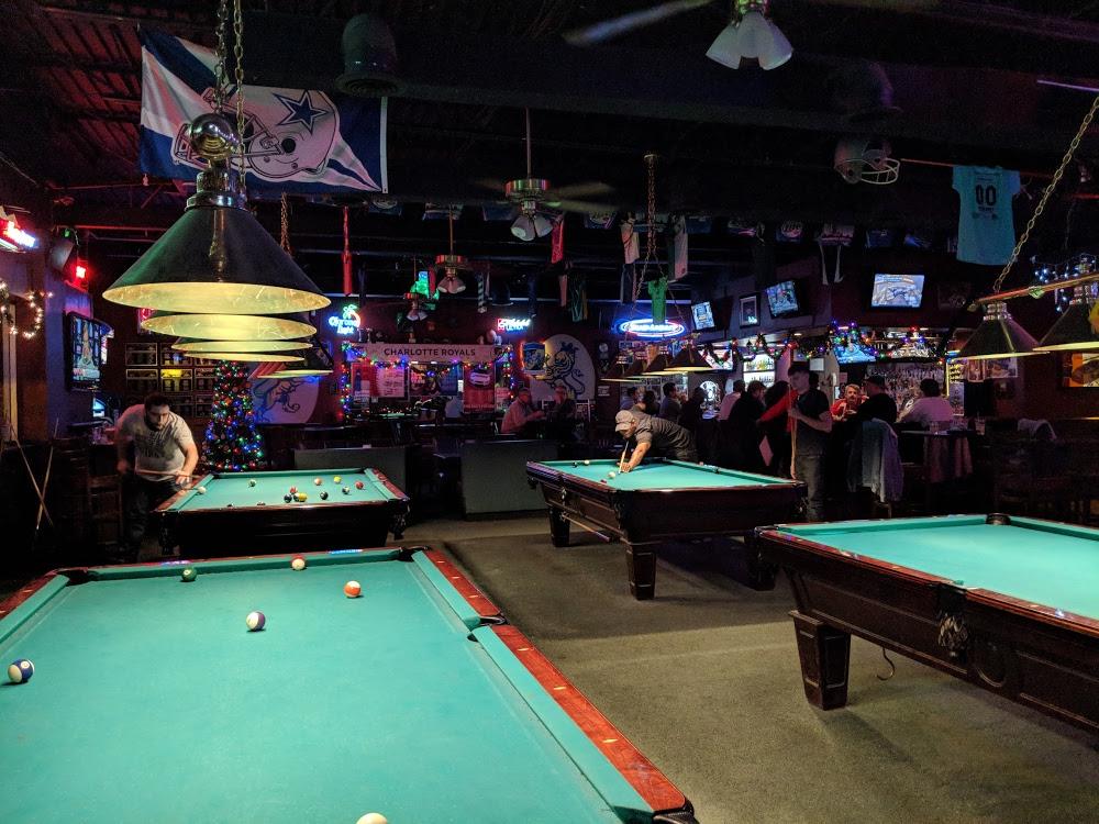 Sidelines Sports Bar U0026 Billiards